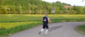 lauftraining halbmarathon - nach knieverletzung