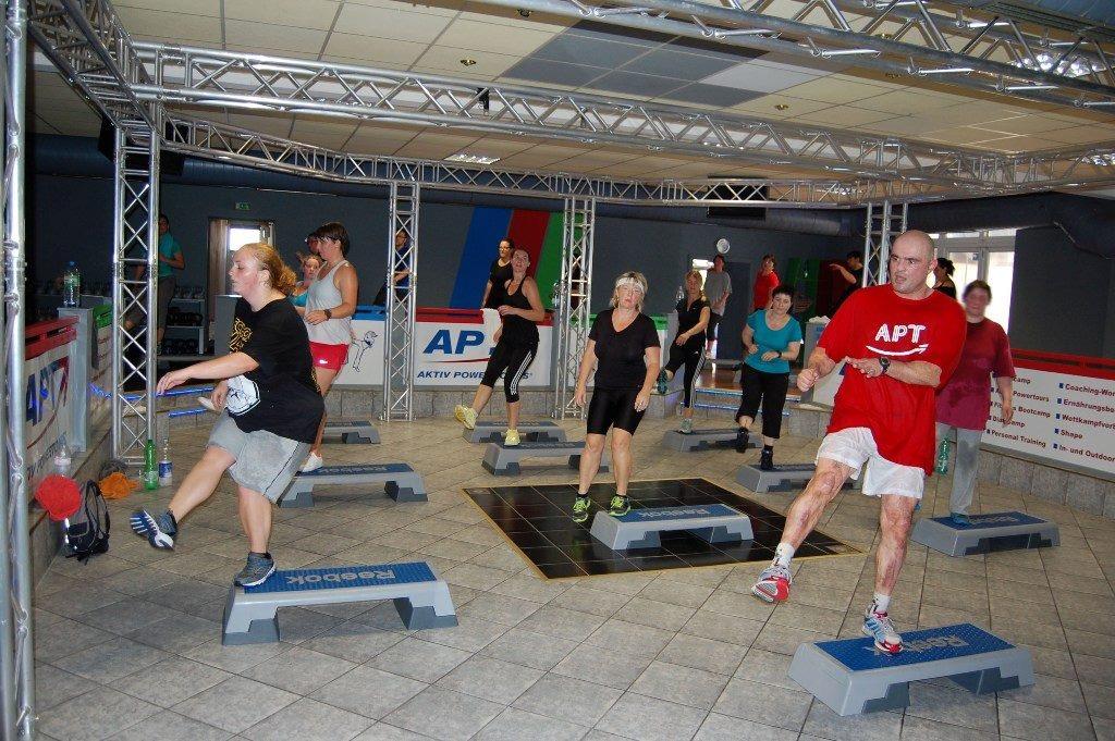 Powerstepaerobic im Sportbootcamp Aktiv -Powertours®